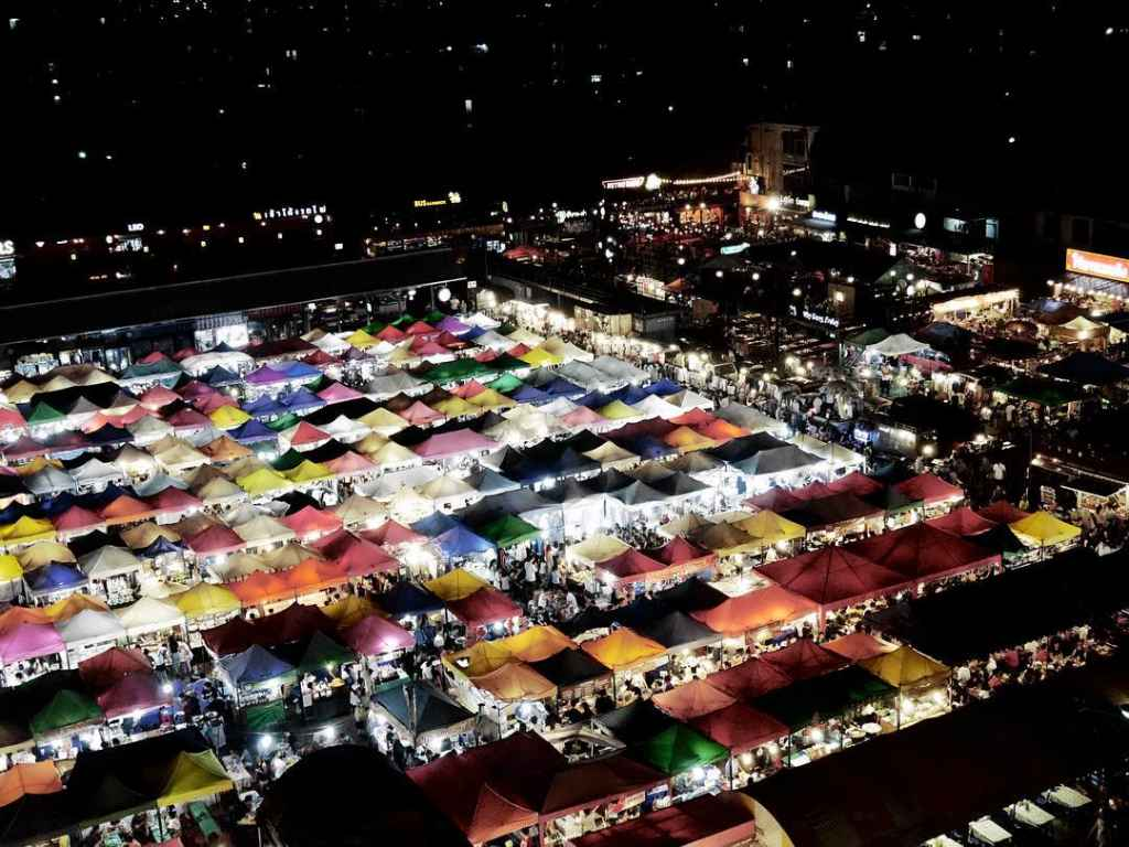 Shopping Tipp 7: Der neue Rod Fai (Train) Nachtmarkt 2